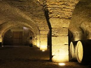 Savigny-lès-Beaune Cave Cistercienne b